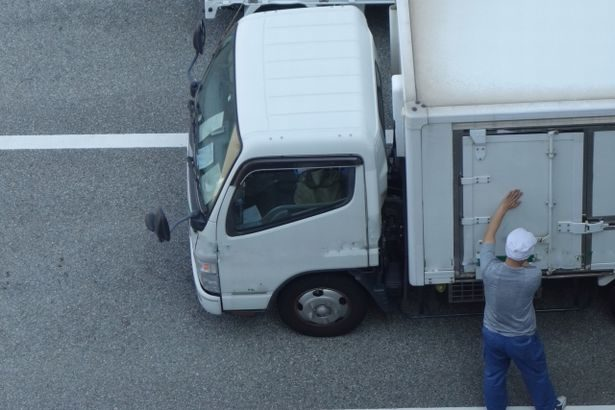 コンビニ大手3社が店舗配送車両の駐車場を共同利用
