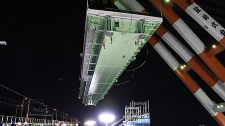 関空連絡橋、橋げたの架設作業が完了