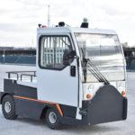 豊田自動織機とANA、国内初の空港内貨物牽引車両の自動走行実験へ