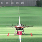 【動画】ドローンが屋内で幅数センチメートルの白線上に自動着陸