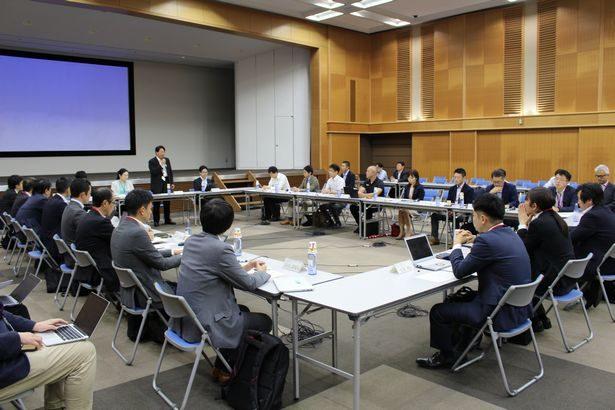 官民協議会で物流への自動走行ロボット活用支援策検討