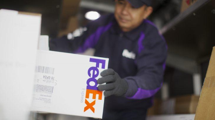 フェデックス、アマゾン荷物の米国内陸送からも撤退か