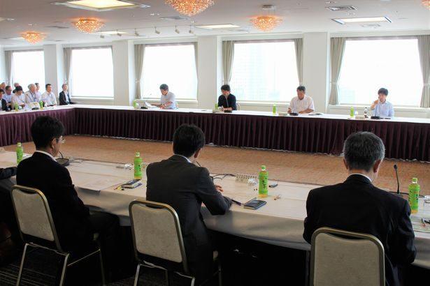 政府が「自動運転に対応した道路空間に関する検討会」の初会合開催