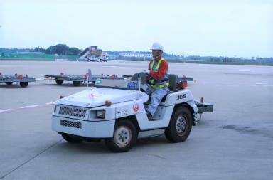 ZMP、日本航空と成田空港で貨物運搬専用車両の自動走行実験へ