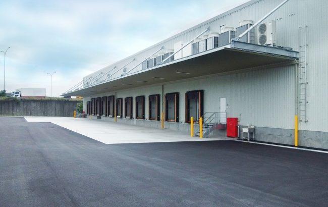 ラックランド、世界初・地球温暖化への影響抑えた冷媒を低温センターに採用