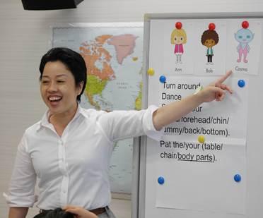 小学生よ、夏休みに物流施設で英語を学ぼう!
