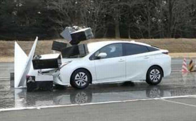 乗用車の衝突被害軽減ブレーキ、過信で事故?が80件