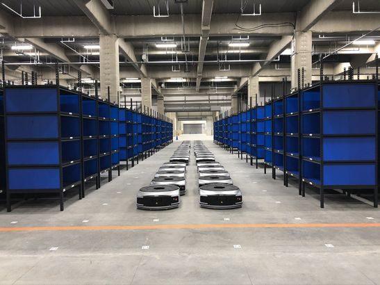 EC事業者向けに物流ロボットや自動梱包機など使った分だけ課金のシェアリングサービス提供