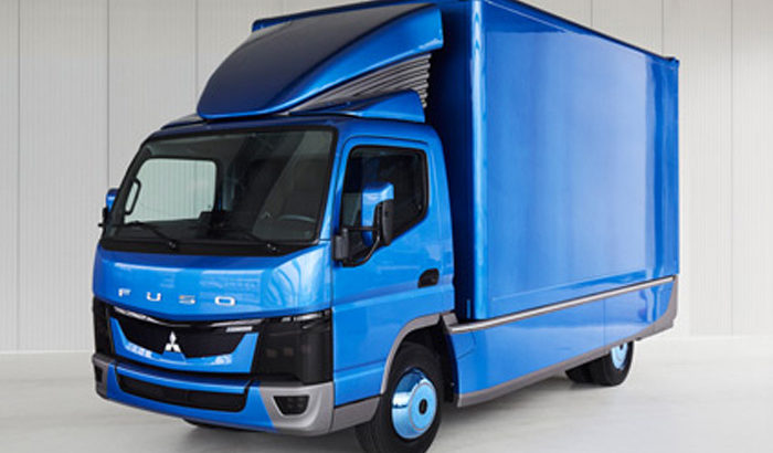 三菱ふそうの世界初EV小型トラック、納車実績がグローバルで150台突破