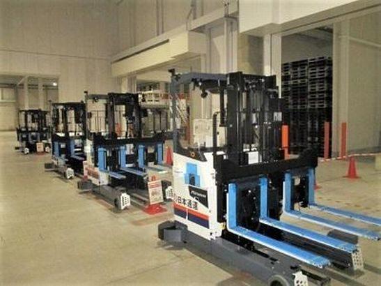 日本通運、サントリーの鳥取配送センターで自動フォークリフト導入
