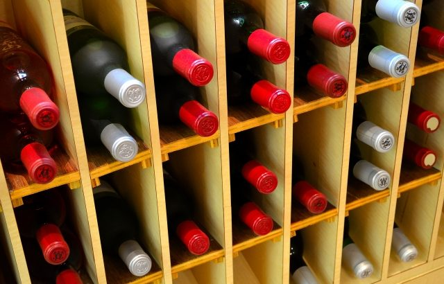 【新型ウイルス】飲食店が在庫の酒販売可能な期間限定免許を創設