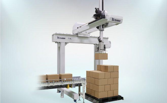 【動画】ユーシン精機が物流ロボットに参入、第1弾は自動積み付け