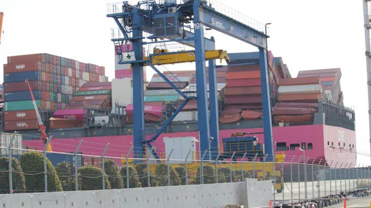 荒天遭遇でコンテナ大量流出のONE運航船、3月15日ごろめどに神戸港出発へ