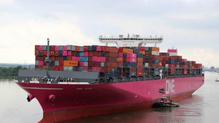 【動画】荒天遭遇でコンテナ1800個流出のONE運航船、神戸港に寄港