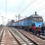 インドで世界初、海上コンテナ2段積み輸送の貨物専用鉄道が部分開通