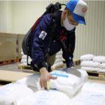パナソニック子会社のATOUN、作業時の腰と腕補助するパワードスーツを発売