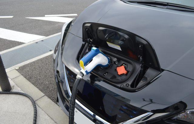 ヒアテクノロジーズ、EV向けに充電回数最小限の最適ルート検索技術を開発