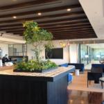 CBREが東京・丸の内の本社オフィスを大幅改装、カフェは開放的なラウンジ仕様に