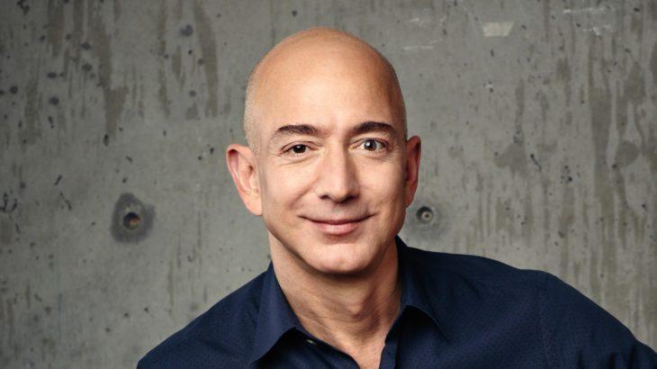 米アマゾン創業者のジェフ・ベゾス氏、CEOを今年7~9月期に退任へ