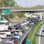 国交省、渋滞低減へ高速料金の変動制導入を検討