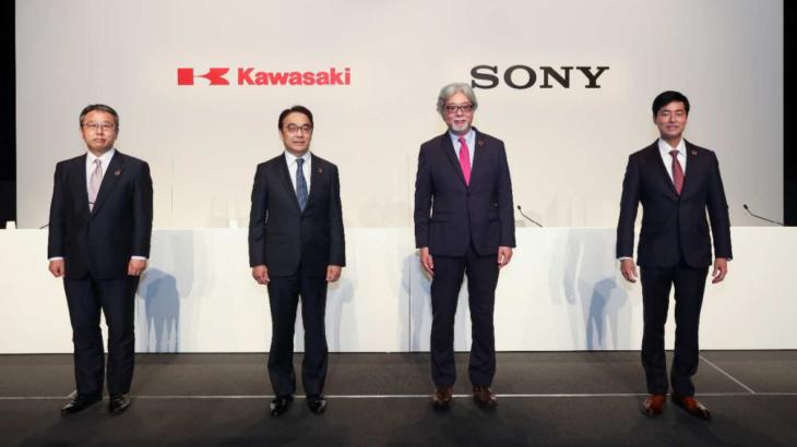 ソニーと川崎重工がロボットの遠隔操作システム提供へ合弁会社を今夏設立、工場や物流施設ターゲットに