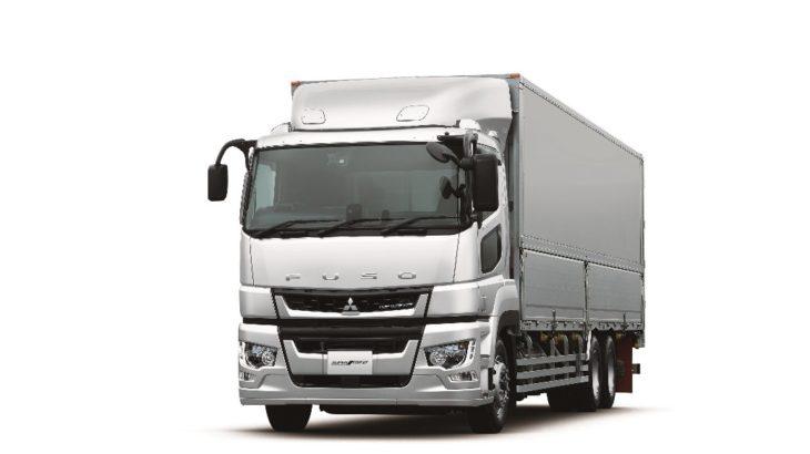 国内初、トラック左折時の巻き込み事故防止へ自動ブレーキ搭載