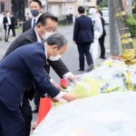 菅首相、千葉・八街の事故現場を視察