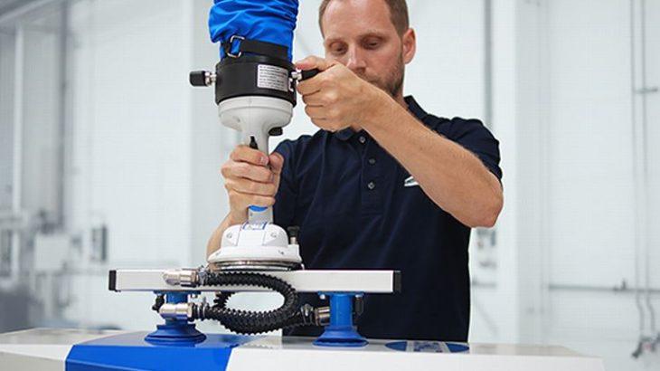 【動画】シュマルツ、重量物を搬送できる真空バランサーに2種類の機能拡張ハンドル追加
