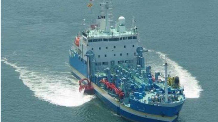 青森・八戸沖の貨物船座礁、流出した油水1万立方メートル弱を回収