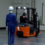 【動画】トヨタL&Fカンパニー、フォークリフト後方の障害物検知する安全運転支援システムを開発