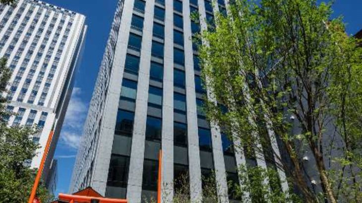 日本通運の地上13階建て新本社ビルが東京・神田和泉町に完成、グループ主要企業が集結