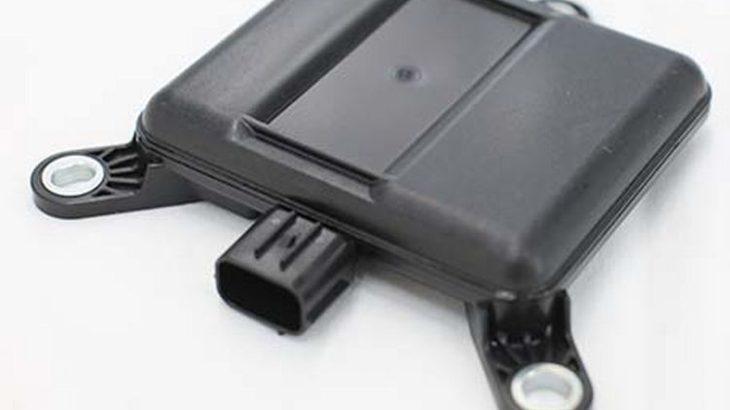 古河ASの周辺監視レーダー、コマツ製新型電動フォークリフトの後退時衝突検知警報システムに採用