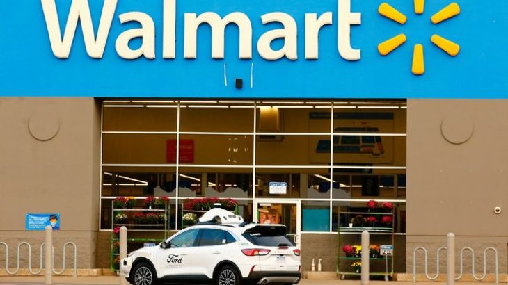 米フォードとウォルマート、自動運転車使った宅配で提携