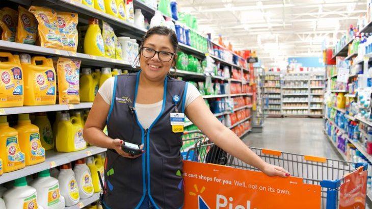 米ウォルマート、店舗で新たに15万人を雇用へ
