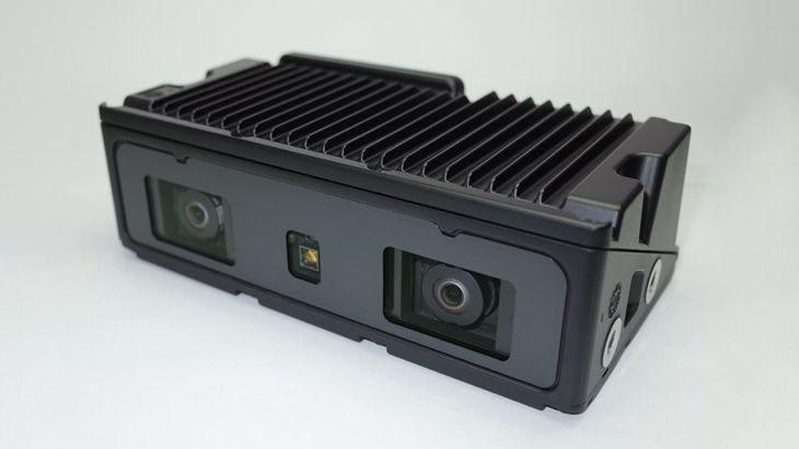 リコーISと豊田自動織機、フォークリフト用の立体視カメラ開発